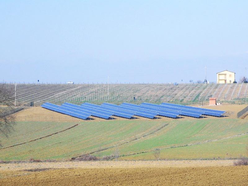 Impianto fotovoltaico a terra 200 kw gbf studio studio for Quanti kw per riscaldare 200 mq